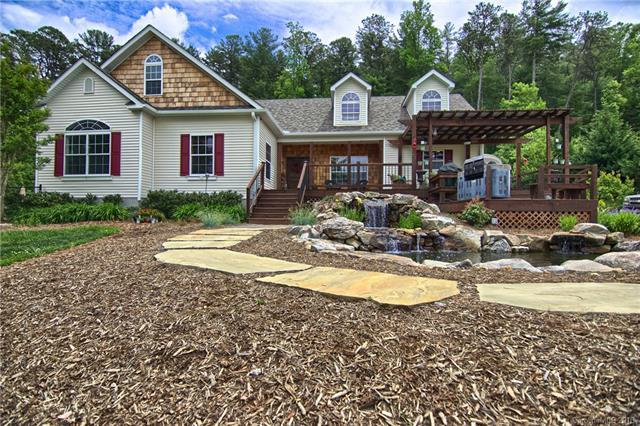 195 Walking Horse Way, Hendersonville, NC 28792 (#3393830) :: Charlotte Home Experts