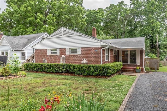 3204 Barnhill Drive, Charlotte, NC 28205 (#3393895) :: The Temple Team