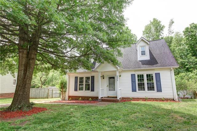 8804 Hunter Green Lane, Charlotte, NC 28227 (#3393899) :: Puma & Associates Realty Inc.