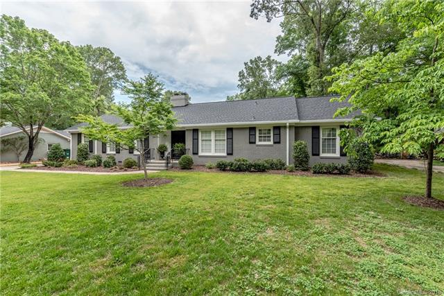 1019 Shady Bluff Drive, Charlotte, NC 28211 (#3393915) :: Charlotte Home Experts