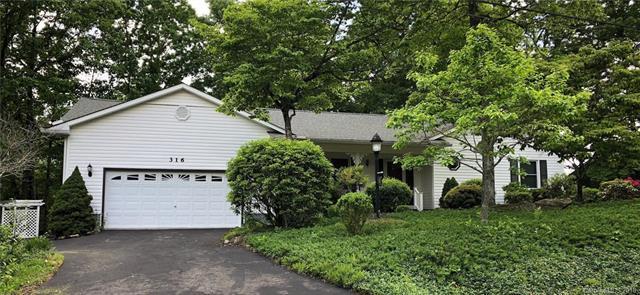 316 Deer Run, Hendersonville, NC 28739 (#3394044) :: Robert Greene Real Estate, Inc.