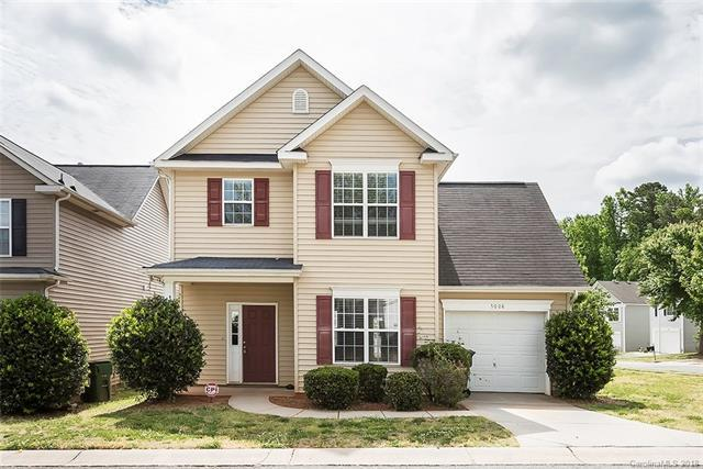5008 Snowdrop Drive, Charlotte, NC 28215 (#3394167) :: MartinGroup Properties