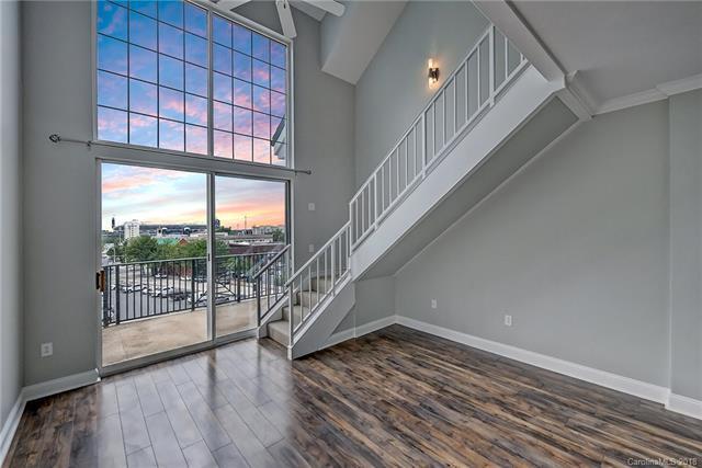 300 W 5th Street #625, Charlotte, NC 28202 (#3394211) :: MartinGroup Properties