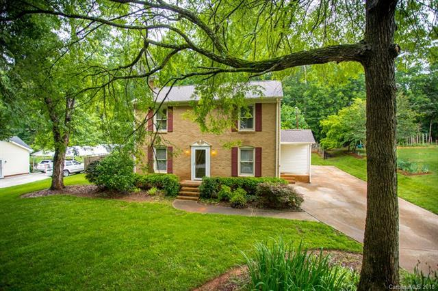 300 Ogden Drive, Gastonia, NC 28056 (#3394238) :: Charlotte Home Experts