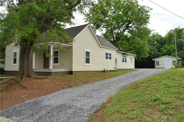242 Wilson Street, Statesville, NC 28625 (#3394435) :: Mossy Oak Properties Land and Luxury