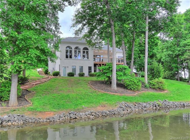 7436 Rock Island Road, Charlotte, NC 28278 (#3394626) :: High Performance Real Estate Advisors