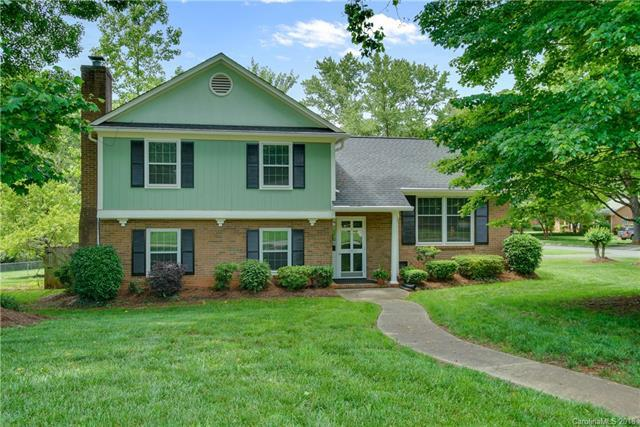 5900 Colchester Place #1, Charlotte, NC 28210 (#3395057) :: Team Honeycutt
