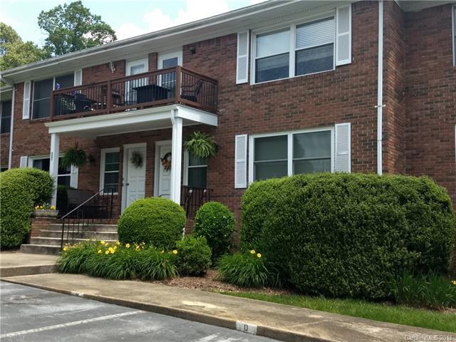 27 Capri Lane #15, Hendersonville, NC 28791 (#3395242) :: Homes Charlotte