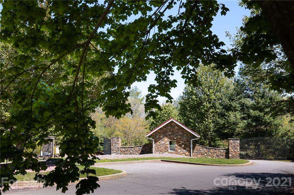 32 Arabella Lane, Arden, NC 28704 (#3395257) :: Caulder Realty and Land Co.