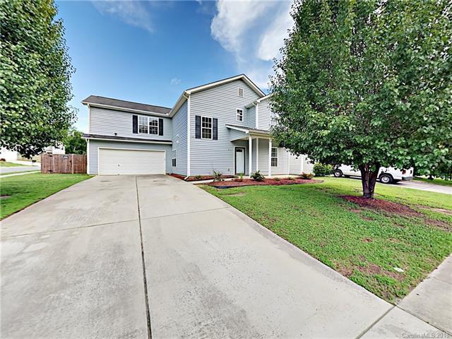10606 Turkey Point Drive, Charlotte, NC 28214 (#3395428) :: Scarlett Real Estate