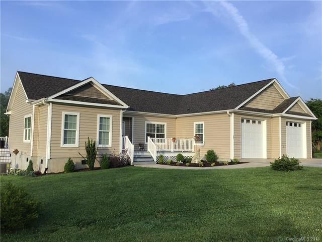 141 Hidden Knoll Drive, Hendersonville, NC 28792 (#3395603) :: Odell Realty Group