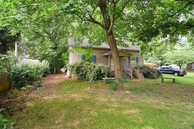 19540 Oak Street, Cornelius, NC 28031 (#3395858) :: Rinehart Realty