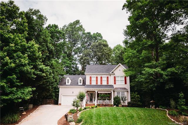 7802 Forest Oaks Lane, Waxhaw, NC 28173 (#3395976) :: The Ann Rudd Group
