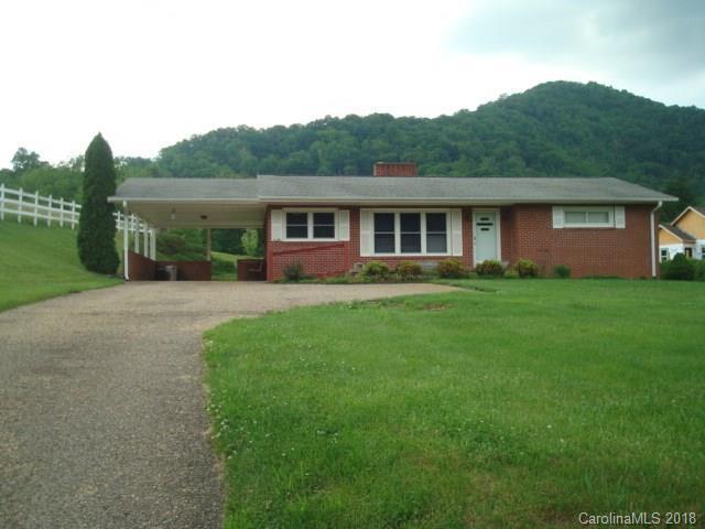 1139 Crabtree Road N, Waynesville, NC 28785 (#3396349) :: Besecker Homes Team