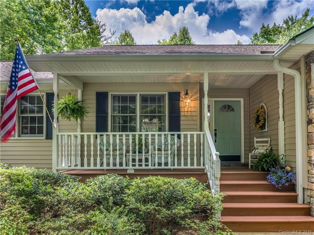 329 Thomas Road, Hendersonville, NC 28739 (#3396375) :: Rowena Patton's All-Star Powerhouse powered by eXp Realty LLC