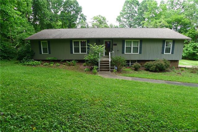 2908 Hopewood Lane 61C, Winston Salem, NC 27103 (#3396392) :: Besecker Homes Team