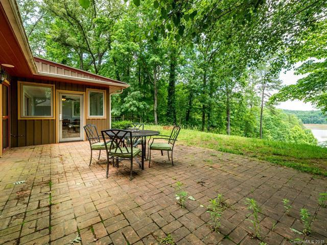 601 Green Hills Road, Mill Spring, NC 28756 (#3396439) :: Odell Realty Group