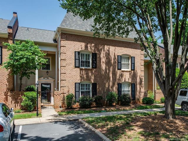 6606 Bunker Hill Circle, Charlotte, NC 28210 (#3396483) :: Miller Realty Group