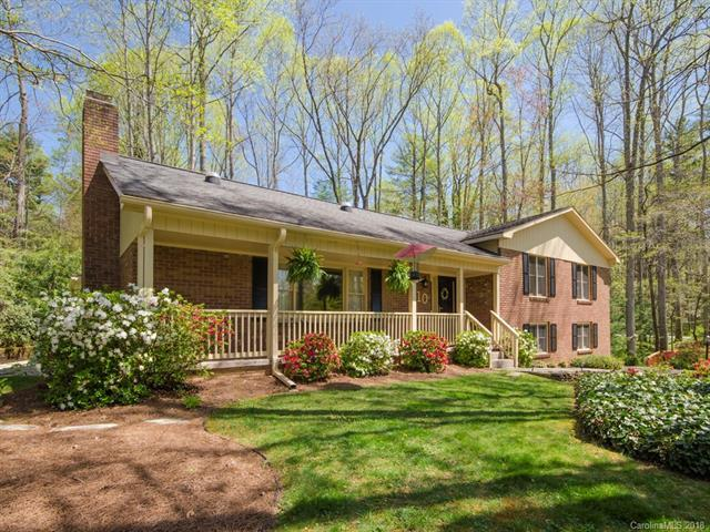10 Surrey Run, Hendersonville, NC 28791 (#3396928) :: Roby Realty