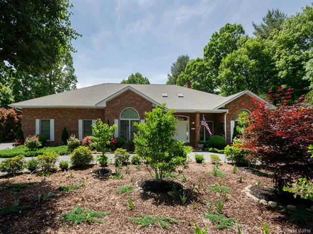 180 Sweetwater Hills Drive, Hendersonville, NC 28791 (#3396951) :: RE/MAX Four Seasons Realty