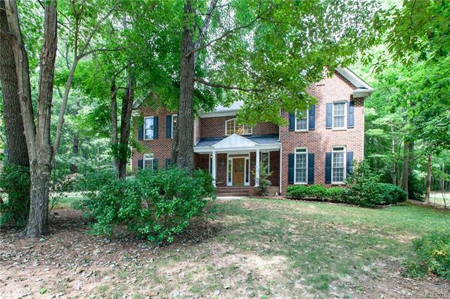 2810 Providence Hills Drive, Matthews, NC 28105 (#3396962) :: The Ramsey Group
