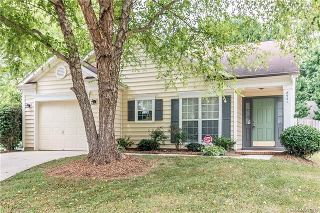 8901 Trentsby Place, Charlotte, NC 28216 (#3397096) :: Exit Mountain Realty