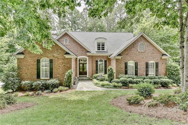 4130 Mountain Cove Drive, Charlotte, NC 28216 (#3397762) :: Stephen Cooley Real Estate Group