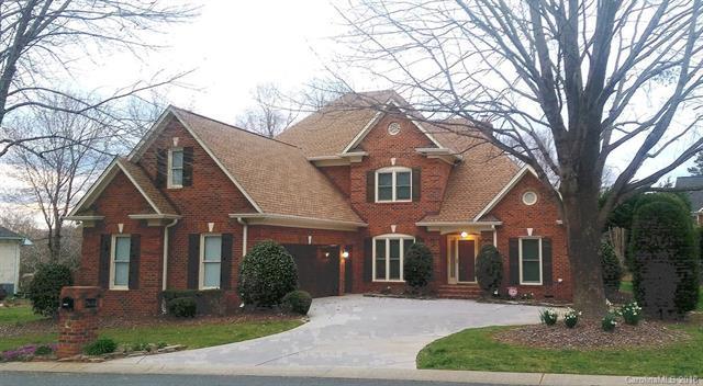 7615 Vistaview Drive, Cornelius, NC 28031 (#3397870) :: Stephen Cooley Real Estate Group