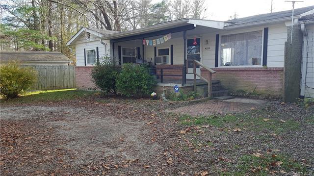 620-622 Fitzsimmons Street, Hendersonville, NC 28792 (#3397890) :: MECA Realty, LLC