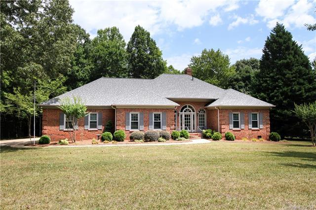 14800 Crooked Branch Lane, Charlotte, NC 28278 (#3398133) :: Rowena Patton's All-Star Powerhouse