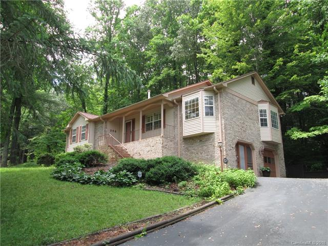 390 Hunters Glen Lane, Hendersonville, NC 28739 (#3398175) :: The Temple Team