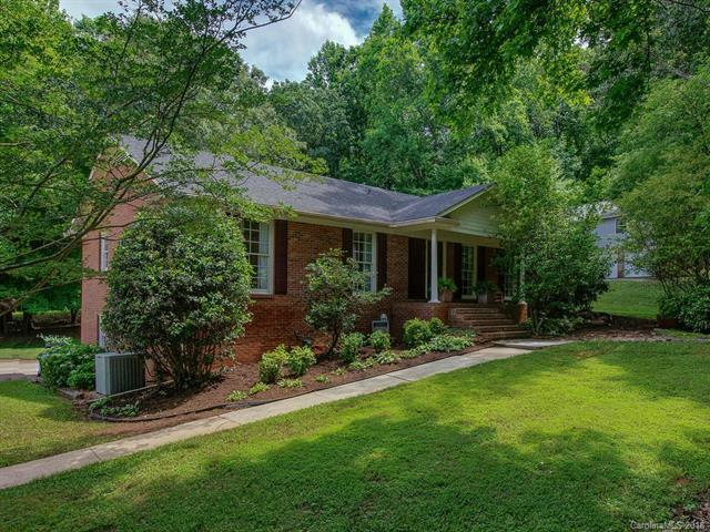 4900 Golfview Court, Mint Hill, NC 28227 (#3398176) :: Charlotte Home Experts