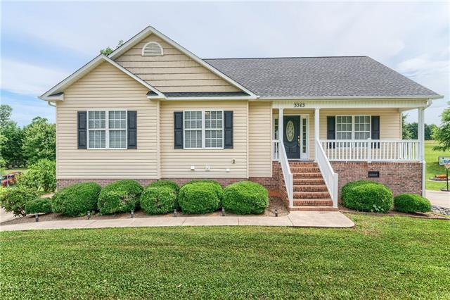 3363 48th Avenue Lane NE, Hickory, NC 28601 (#3398324) :: The Premier Team at RE/MAX Executive Realty