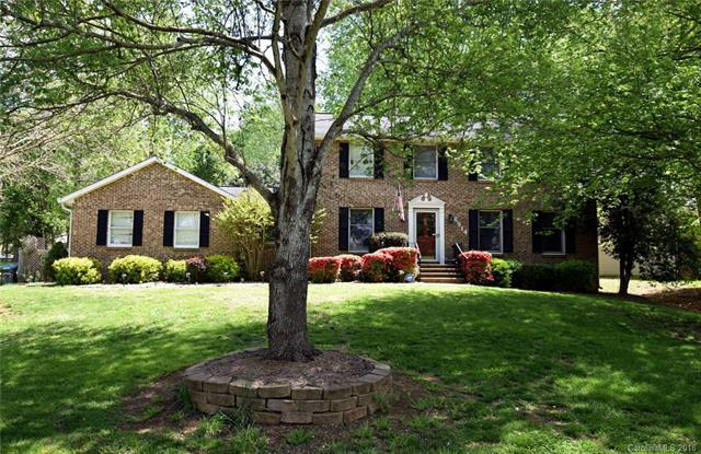 6914 Wooden Rail Lane, Mint Hill, NC 28227 (#3398341) :: Odell Realty Group