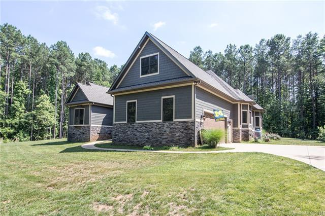 561 Normandy Road, Mooresville, NC 28117 (#3398460) :: Mossy Oak Properties Land and Luxury