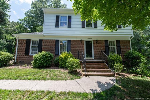 804 Bentwood Court, Matthews, NC 28105 (#3398858) :: LePage Johnson Realty Group, LLC