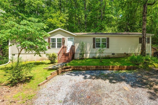 80 Treeland Road, Hendersonville, NC 28739 (#3398939) :: Puffer Properties