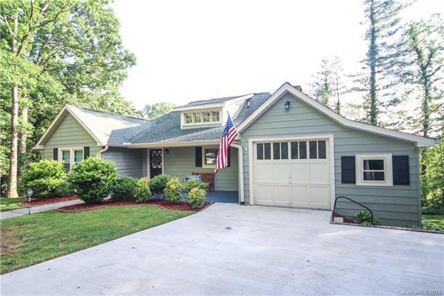 1429 Ridgecrest Drive, Hendersonville, NC 28792 (#3399144) :: High Performance Real Estate Advisors