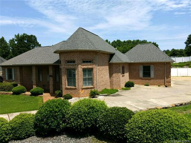 115 Bluegrass Circle #33, Mooresville, NC 28117 (#3399155) :: Phoenix Realty of the Carolinas, LLC