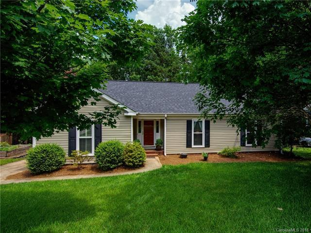 2022 Dembrigh Lane #3, Charlotte, NC 28262 (#3399496) :: Odell Realty Group