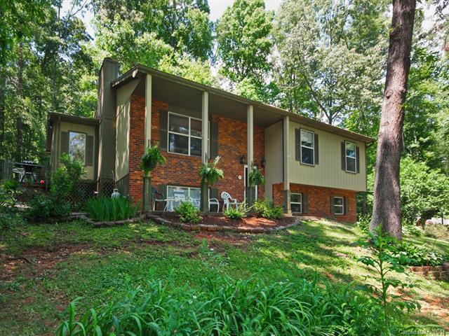 149 Wendy Lane, Hendersonville, NC 28792 (#3400468) :: Stephen Cooley Real Estate Group