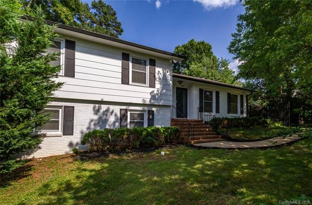 7507 Folger Drive, Charlotte, NC 28226 (#3400513) :: The Andy Bovender Team