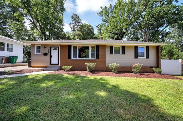 2010 Dalehurst Drive, Charlotte, NC 28205 (#3400725) :: Stephen Cooley Real Estate Group