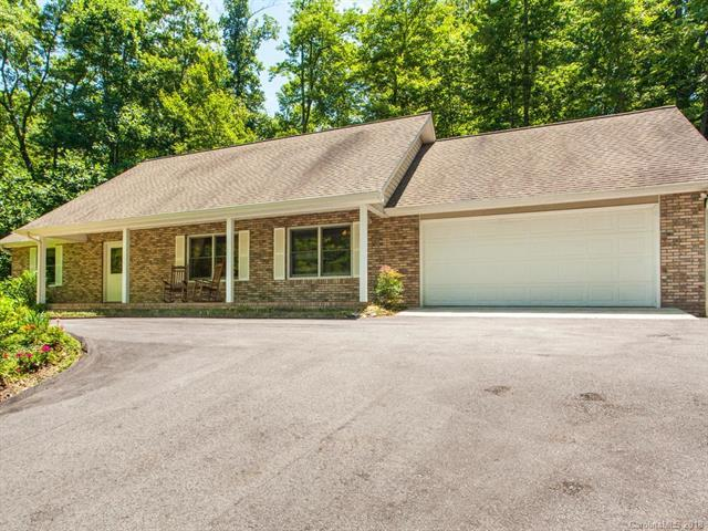 207 Thistledown Court, Hendersonville, NC 28739 (#3400785) :: The Temple Team