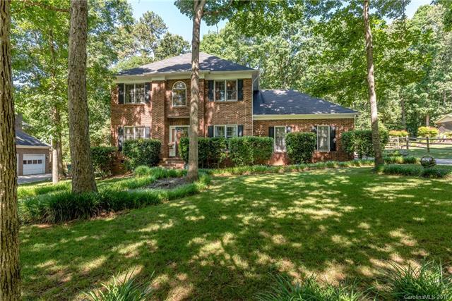 2719 Bent Oak Drive, Matthews, NC 28104 (#3400857) :: Stephen Cooley Real Estate Group