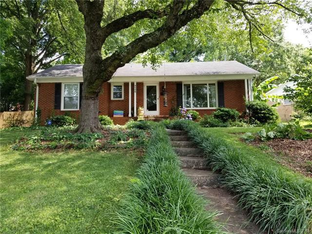 3134 Dunlavin Way, Charlotte, NC 28205 (#3401129) :: Stephen Cooley Real Estate Group