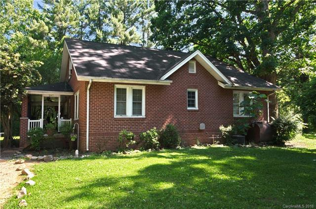 207 & 209 Holbert Road, Hendersonville, NC 28791 (#3401441) :: Century 21 First Choice
