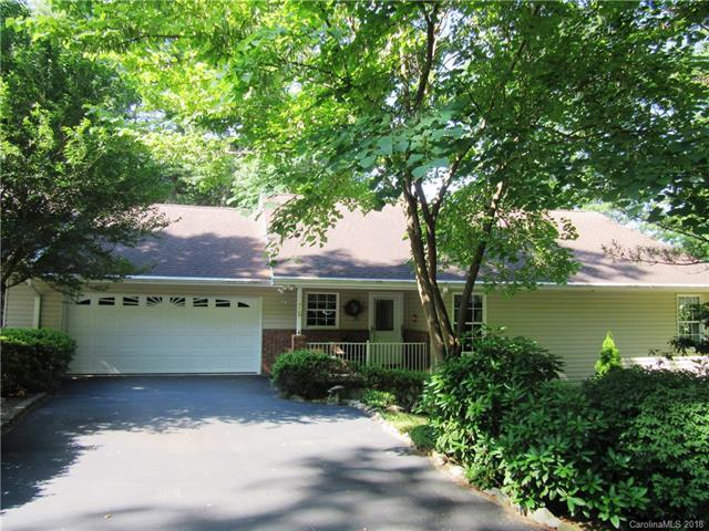 76 Bridgetteã' Loop Road, Hendersonville, NC 28791 (#3401507) :: High Performance Real Estate Advisors