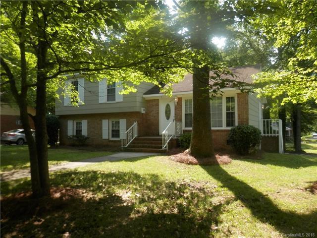 6200 Bridlewood Lane, Charlotte, NC 28215 (#3401513) :: Stephen Cooley Real Estate Group