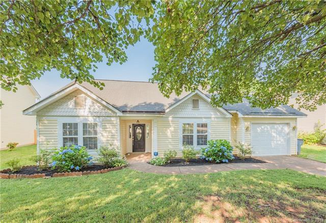 4109 Brandie Glen Road, Charlotte, NC 28269 (#3401576) :: Team Southline